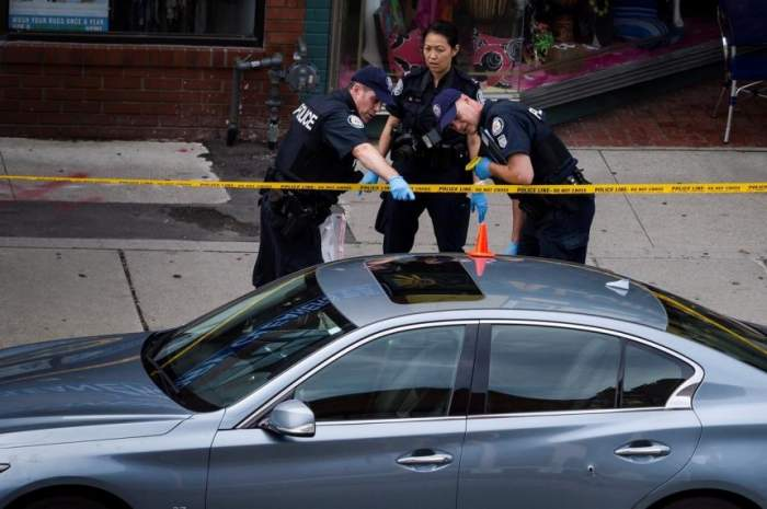 Măcel într-un apartament din Toronto! Trei persoane au murit