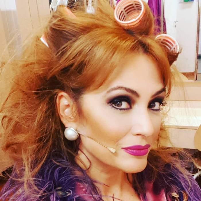 FOTO / Anca Țurcașiu, în costum de baie la 49 de ani! Artista are o siluetă de invidiat