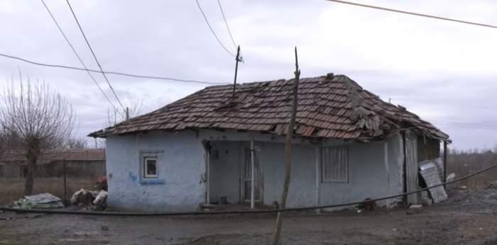 VIDEO / Din cauza mamei, şapte fraţi din Olt au ajuns de urgenţă la spital. La ce i-a supus femeia
