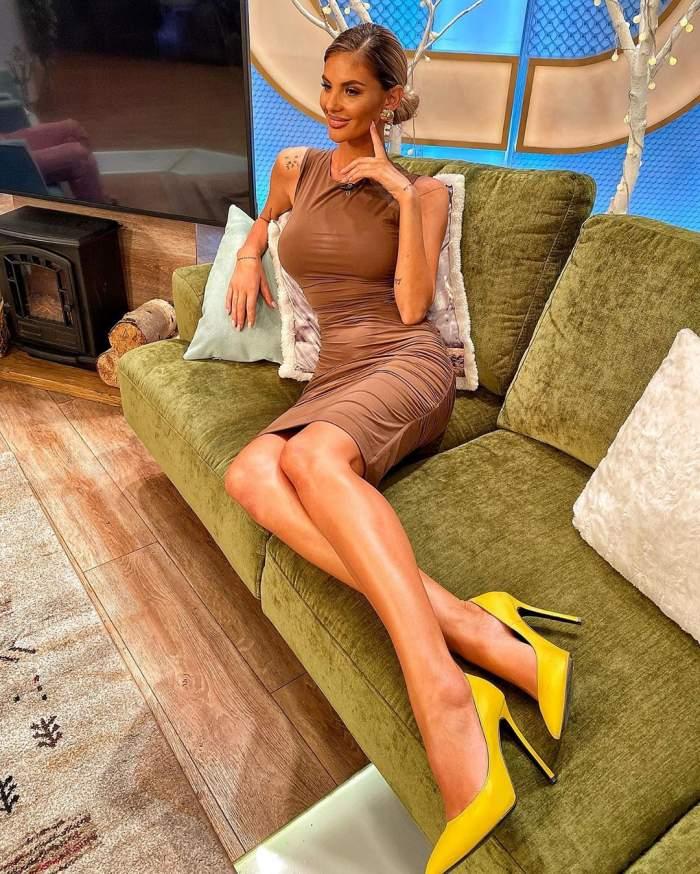 FOTO / Oh, Ramona! Asistenta tv a încins internetul cu un decolteu de infarct