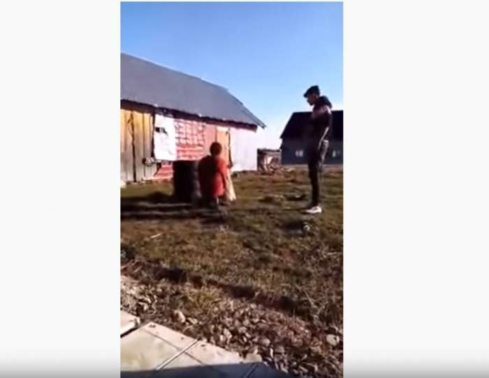 VIDEO / O adolescentă însărcinată din Suceava a fost bătut crunt cu biciul. Mama fetei a filmat tot
