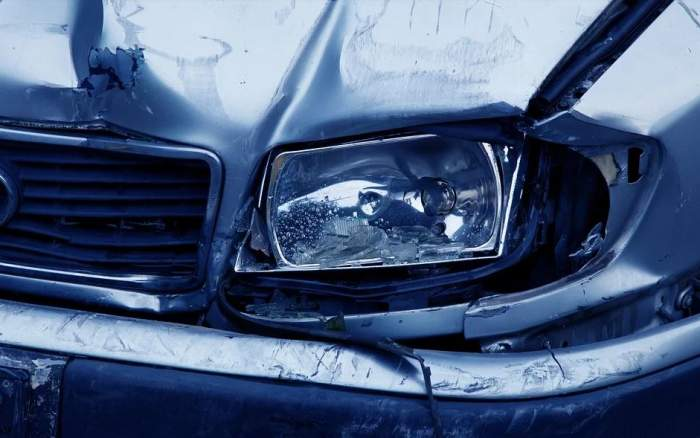Accident cumplit în Olanda! Un român a murit pe loc, după ce şoferul maşinii în care se afla a pierdut controlul