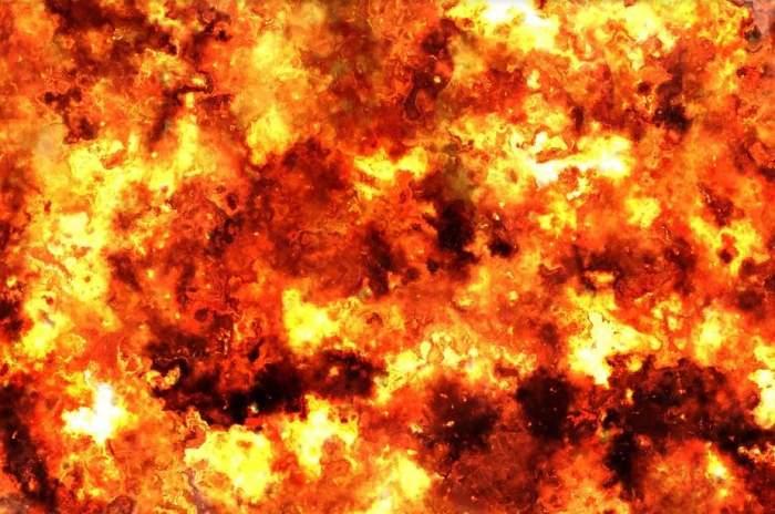 Un vehicul de transport public a explodat! 7 persoane au murit şi 11 au fost rănite