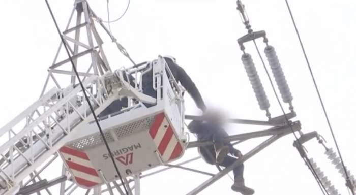 Patru spitale din Iaşi au rămas fără curent electric după ce un tânăr a vrut să se sinucidă, de ziua lui