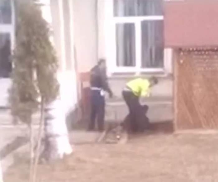 Scandal cu împuşcături la o şcoală din Suceava! Un părinte a ameninţat şi atacat poliţiştii. Motivul este halucinant