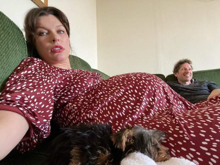 """Milla Jovovich a devenit din nou mamă, după ce a suferit un """"avort de urgenţă"""". """"Este bebelușul nostru miracol"""""""