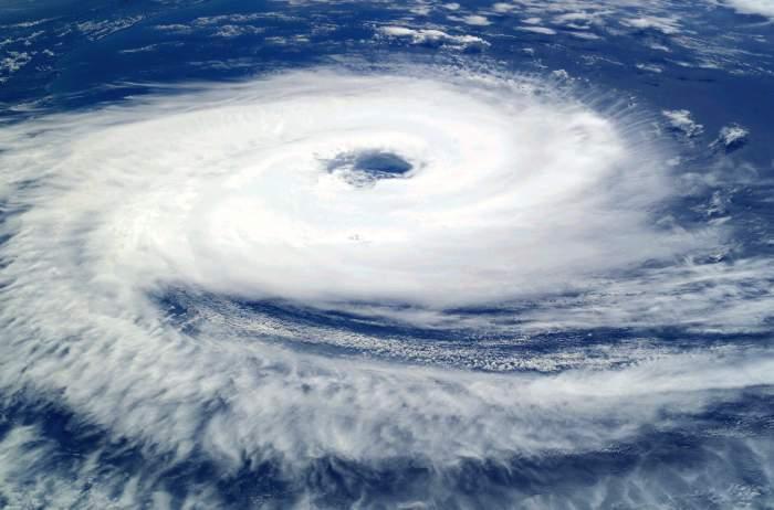 România, lovită de mai mulţi cicloni! Directorul ANM a explicat tot
