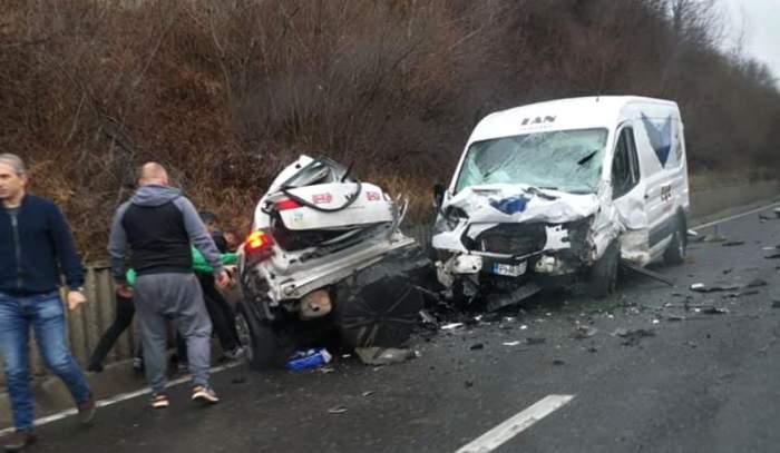 Accident grav în Prahova. Un tânăr taximetrist și-a pierdut viața, după ce mașina lui a intrat violent într-un alt autovehicul