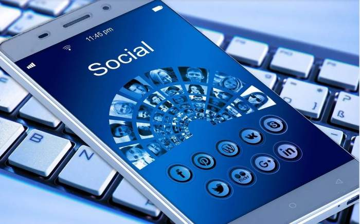 Atenţie copii! Facebook va permite părinţilor să vadă istoricul conversaţiilor din mesagerie