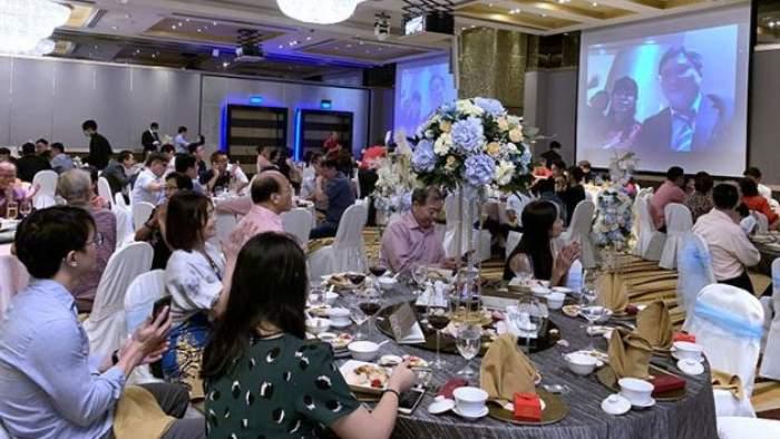 Doi miri au participat la propria nuntă printr-un livestream, ca să nu-și îmbolnăvească invitații cu coronavirus