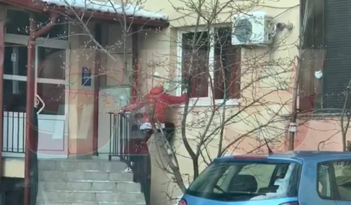Iubitul Cruduţei, scandal în faţa blocului! Sora brunetei şi partenerul acesteia au intervenit! Ce i-au cerut / VIDEO PAPARAZZI