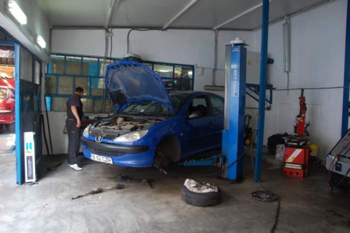 Incident şocant în Italia! O româncă a fost scalpată într-un atelier auto. Cum a fost posibil