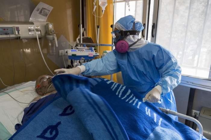 Cum vor fi înmormântați românii uciși de coronavirus. Măsuri dure luate de autorități