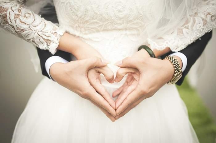 Nuntă în vreme de pandemie! Doi tineri s-au căsătorit cu doar câteva ore înainte de a se închide granițele Spaniei