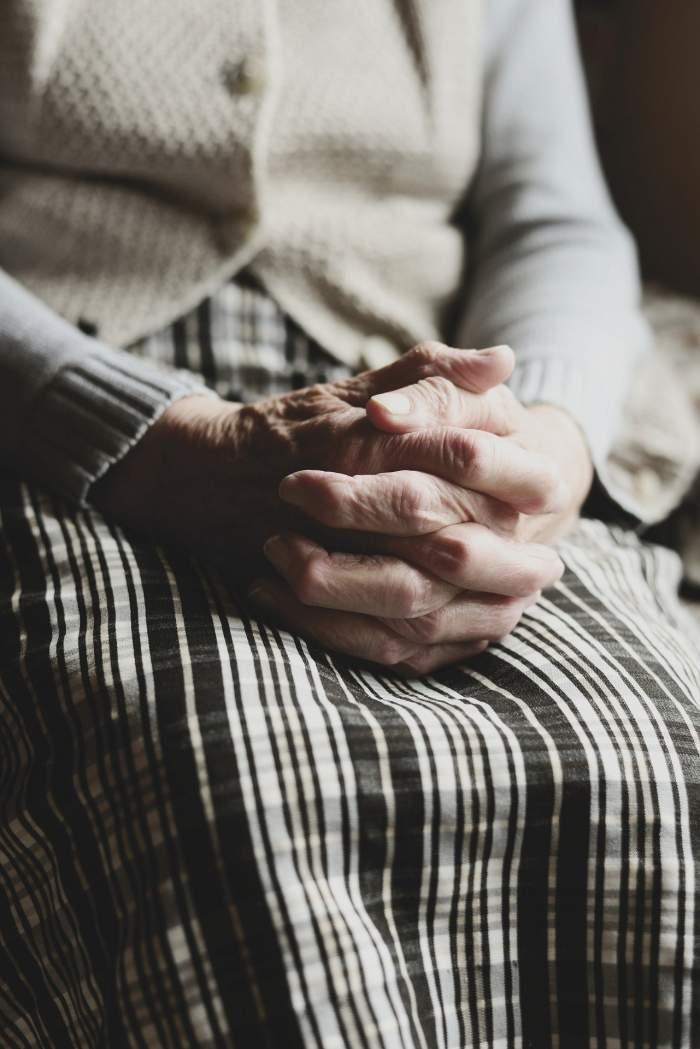 Cea mai în vârstă pacientă infectată cu COVID-19 s-a vindecat! Cum a fost posibil să scape de boală la 103 ani