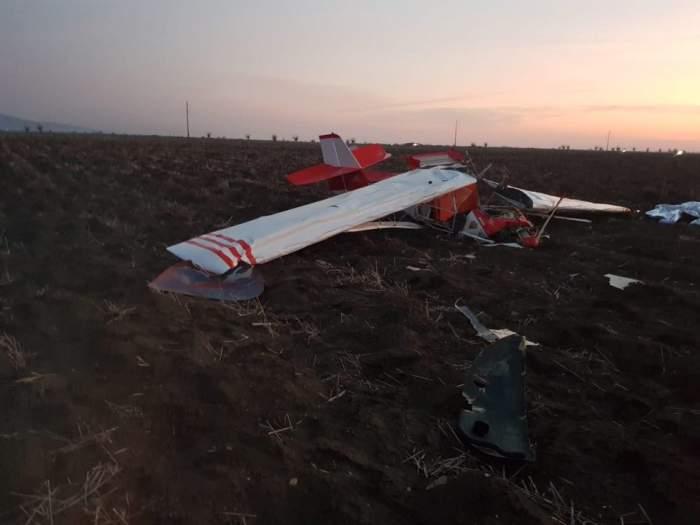 Avion de mici dimensiuni, prăbușit în localitatea Șiria din Arad. Două persoane au murit / FOTO
