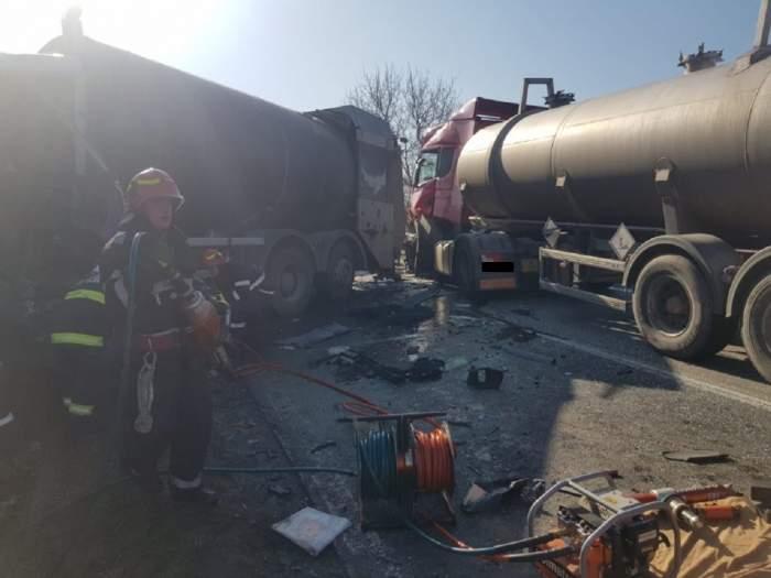 Scene înfiorătoare în Giurgiu! Un bărbat a fost prins sub mașină, după un accident grav în care au mai fost implicate alte trei persoane