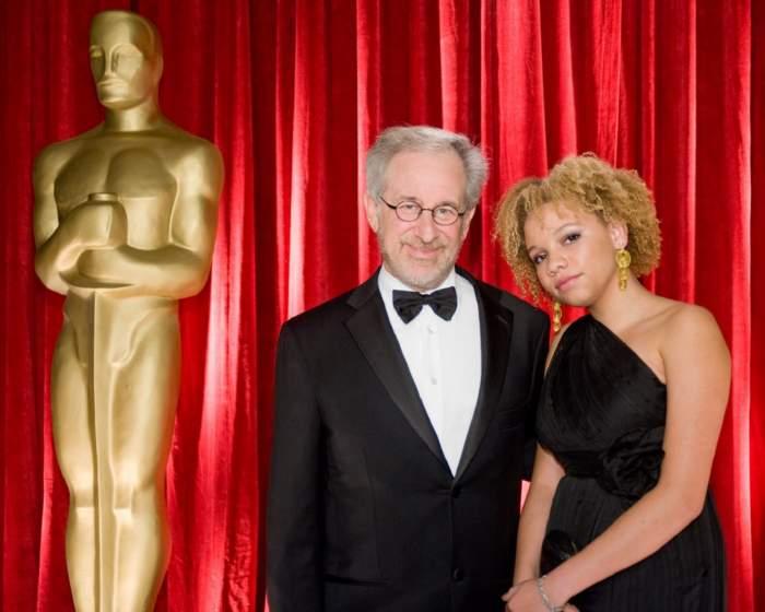 Fiica lui Steven Spielberg a fost arestată după ce și-ar fi agresat iubitul. Tânăra joacă în filme pentru adulți