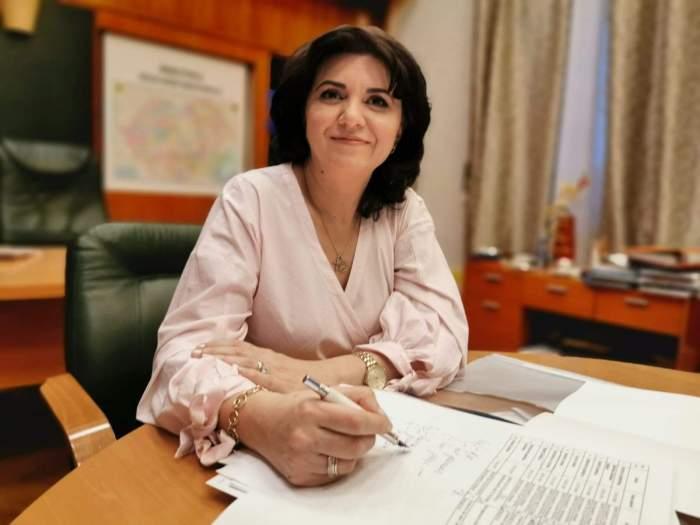 """Monica Anisie, ministrul Educației: """"Nu luăm în calcul înghețarea anului școlar"""""""