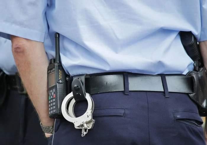 Șocant! Un polițist a fost bătut pe stradă decătre un bărbat. Agresorul nu avea asupra lui declarația pe propria răspundere