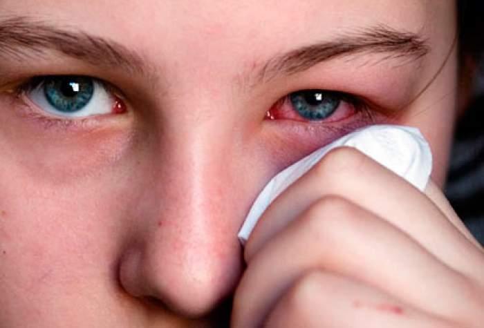"""Noul simptom al infectării cu coronavirus! Semnalul de alarmă tras de o asistentă medicală din SUA: """"Parcă ar fi diavolul însuşi"""""""