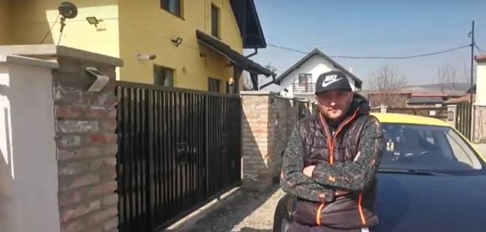 Un taximetrist din Târgu Mureș face curse gratis pentru cadrele medicale, cu bolidul său de lux, pe baza legitimației de serviciu