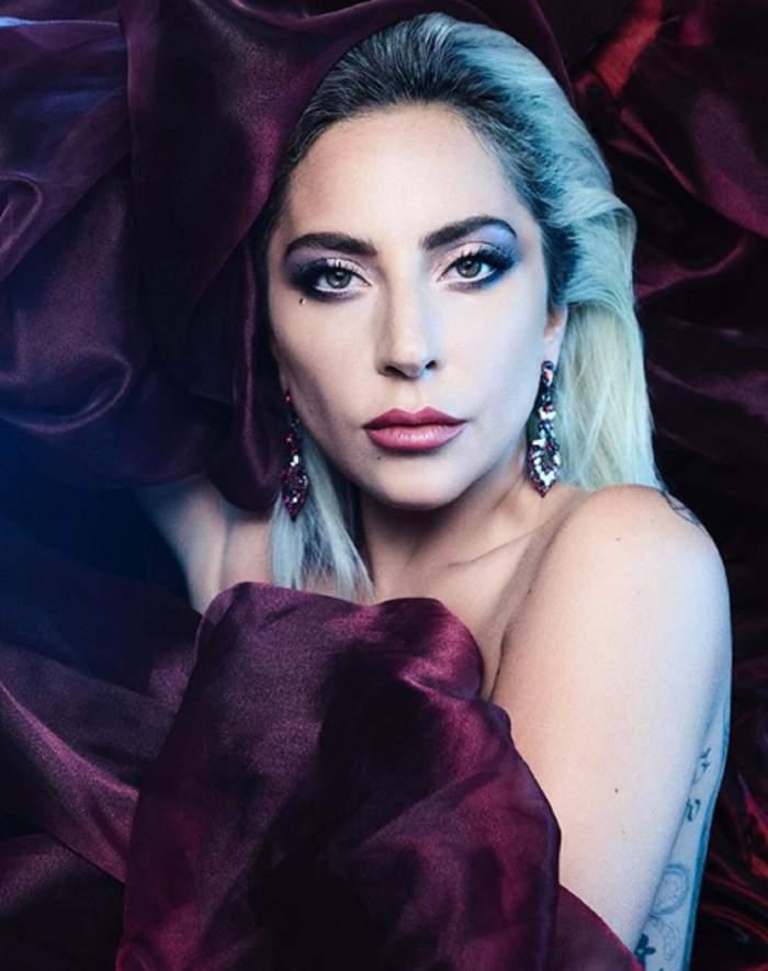 Lady Gaga şochează din nou! Artista s-a afişat goală puşcă, într-o cadă cu apă rece / FOTO