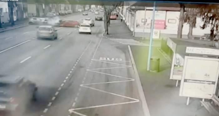 Accidentul din Braşov, surprins de camerele video. Un al treilea şofer a fost implicat în tragedia mortală de pe strada Aurel Vlaicu / VIDEO