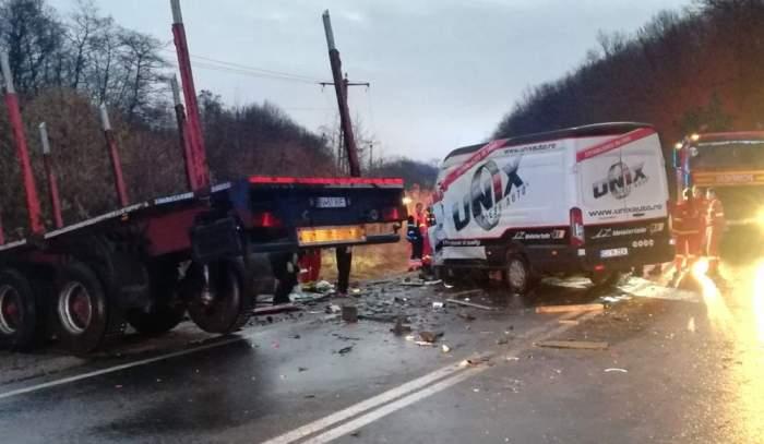 Sibiu. Accident cumplit soldat cu doi morţi, sâmbătă dimineaţă