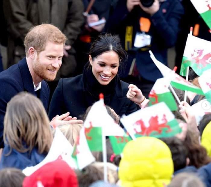 Primele imagini cu Meghan Markle şi Prinţul Harry, după ce s-a spus că vor divorţa! Aşa au demontat tot ce s-a scris / VIDEO