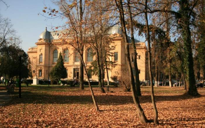 Prima universitate din Bucureşti care suspendă total cursurile din cauza coronavirusului