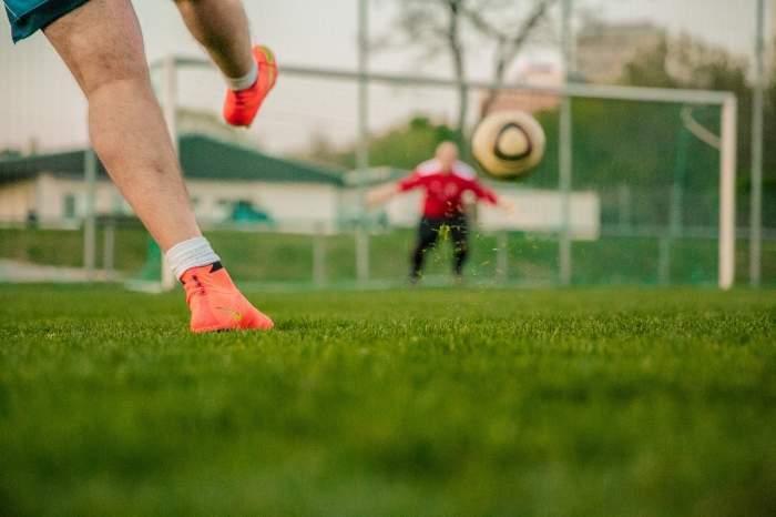 Fotbalist român, posibil infectat cu coronavirus! Joacă în Liga I