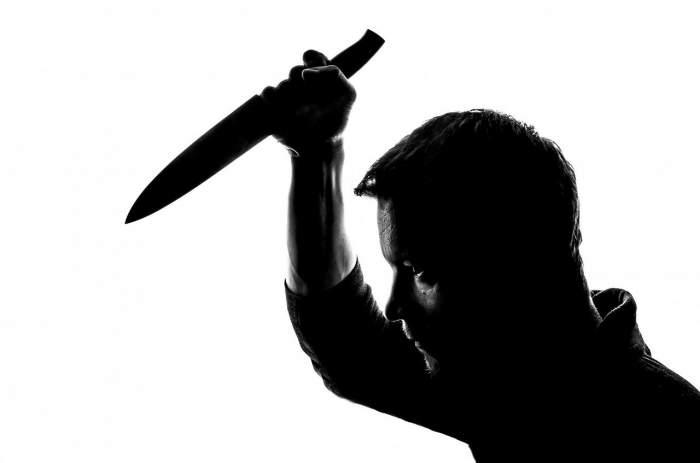 Scene șocante în Giurgiu! Un avocat a încercat să omoare un tânăr cu o macetă de vânătoare