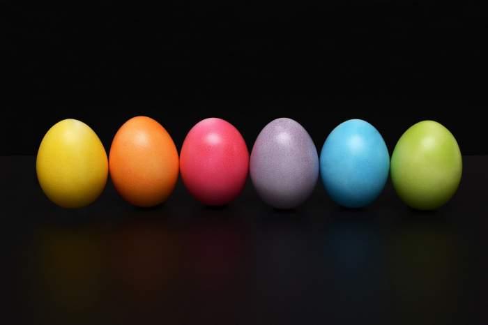 Când se vopsesc ouăle de Paște și ce simbolizează culoarea roșie! Obiceiul este vechi de când lumea