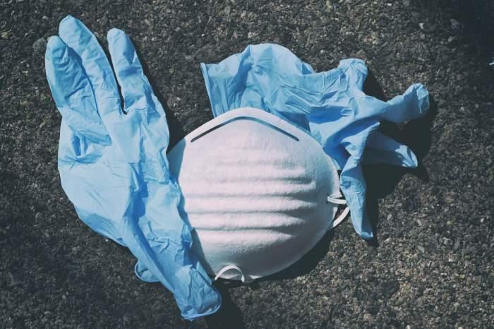 Ne protejează sau nu mănușile de unică folosință de coronavirus? Ce părere au specialiștii germani
