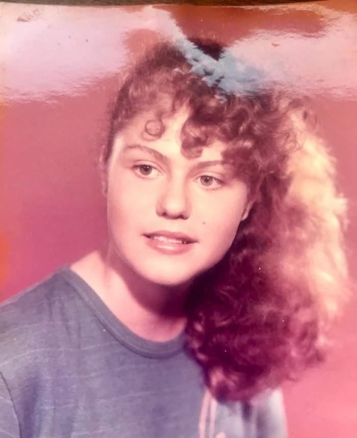 """FOTO / O recunoști? Este una dintre cele mai cunoscute prezentatoare tv. """"În fotografie aveam vârsta fiicei mele"""""""