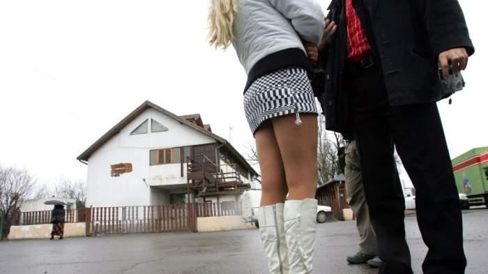 Decizie scandaloasă a judecătorilor din Prahova! Au trimis un proxenet să presteze muncă în folosul comunității chiar într-o școală