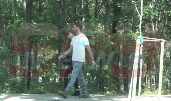VIDEO PAPARAZZI / Horia Tecău, te-am prins! La plimbare, pe străzile Capitalei, alături de o focoasă șatenă! Oare și-a găsit tenismenul sufletul pereche?