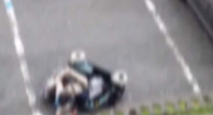 Imagini revoltătoare în Cluj. Femeie în scaun cu rotile, răsturnată în plină stradă / VIDEO