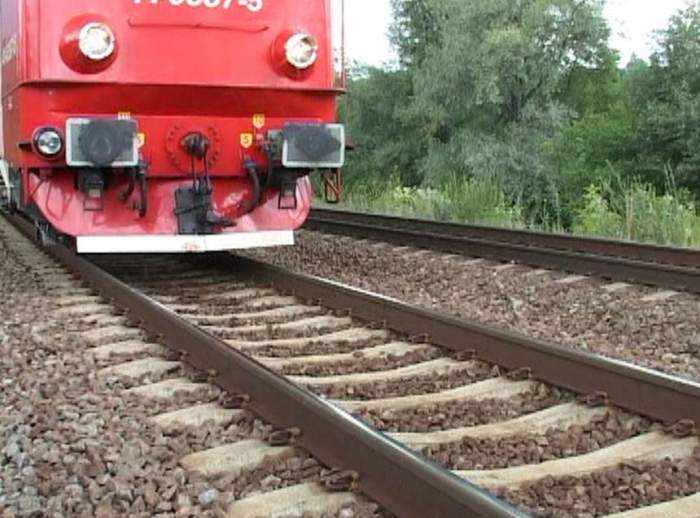 Scene șocante în Ploiești! Un elev al Colegiului Pedagogic s-a aruncat în fața trenului! Băiatul a murit pe loc!