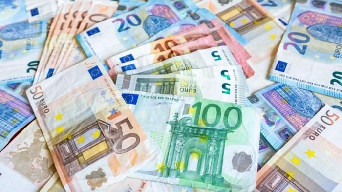 Curs valutar, luni, 25 mai.Cât valorează 1 euro la început de săptămână