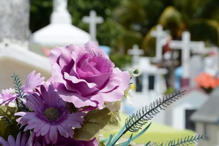 Ce servicii funerare oferă o agenție de pompe funebre?