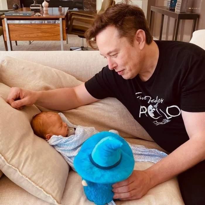 După ce Elon Musk și-a numit fiul X Æ A-12, excentricul om de afaceri s-a răzgândit! Care este noul nume al bebelușului