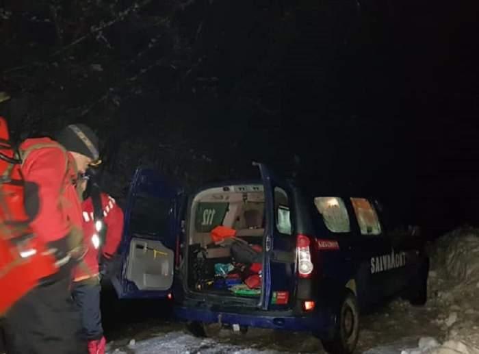 Acțiune în plină desfășurare a salvamontiștilor din Maramureș! Unui bătrân i s-a făcut rău și este blocat într-o zonă greu accesibilă