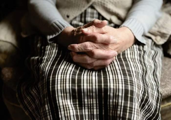 Un bărbat din Olt și-a violat mama de 78 de ani, iar apoi a omorât-o în bătaie. Motivul, de-a dreptul halucinant!