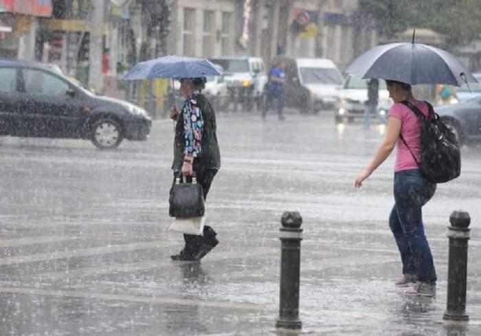 Cod roșu de averse torențiale! România, sub un val de avertizări de la ANM