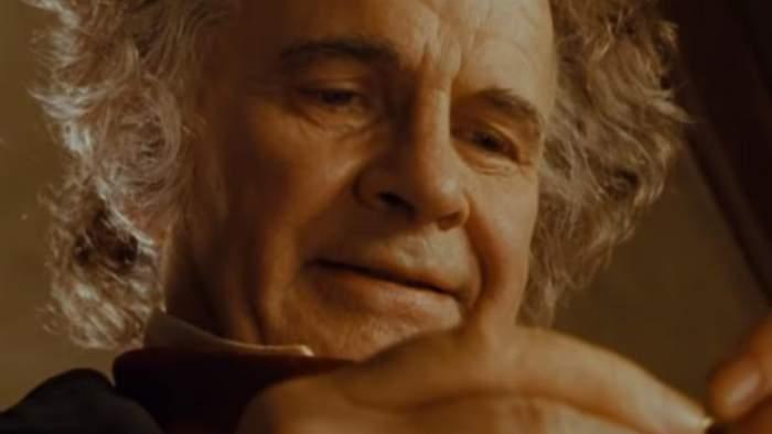 """Veste tristă pentru fanii producției """"Stăpânul Inelelor""""! Unul dintre cei mai îndrăgiți actori a murit la 88 de ani"""