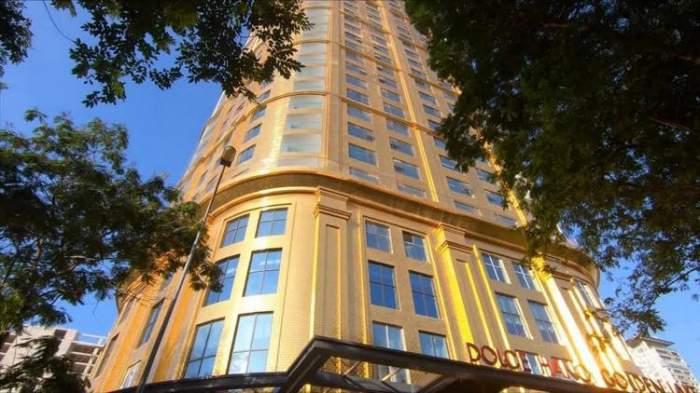 A fost construit primul hotel îmbrăcat în aur! Unde se află și cât costă o noapte în locația de 6 stele / VIDEO