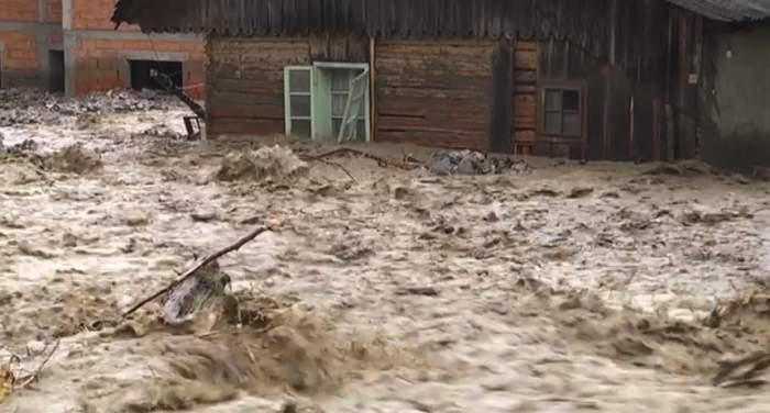 Semnal de alertă în România! Cod roșu de inundații în 7 județe ale țării! Ce zone sunt afectate