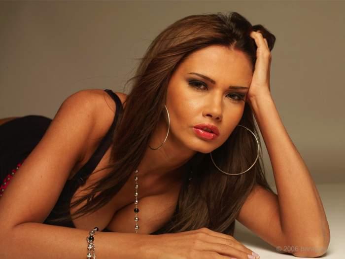 """Oana Zăvoranu, primele declarații după ce a apărut pe un site de escorte! """"E o măgărie"""""""